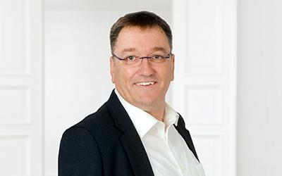 Zu sehen ist Christoph Funken Gesellschafter-Geschäftsführer bei Menger Engineering
