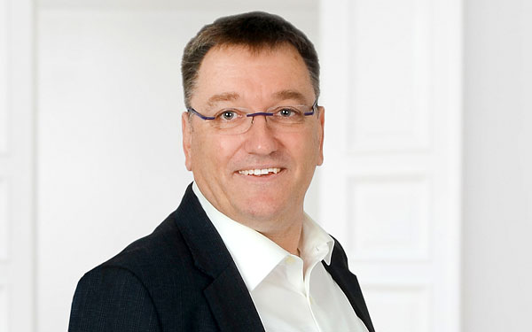 Christoph Funken ist Geschäftsführer und Gesellschafter bei Menger.